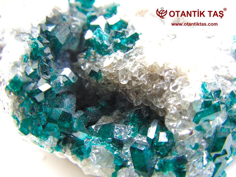 Dioptaz Kristali