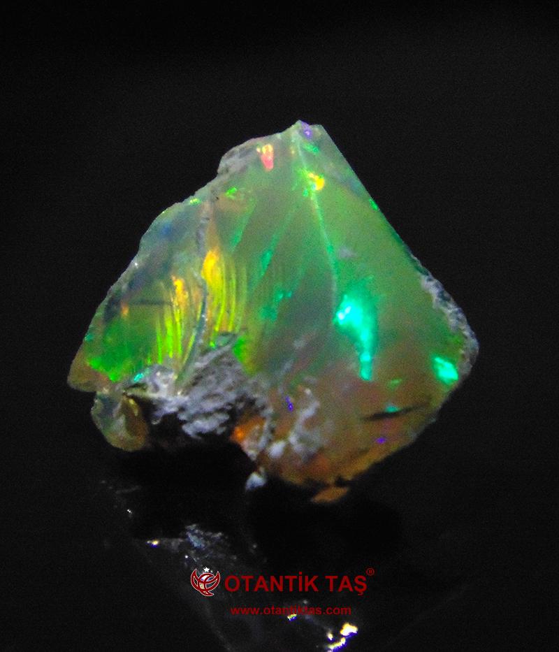 Multicolor Opal Taşı