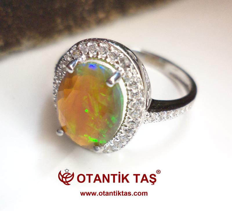 Neon Opal Taşı Altın Yüzük