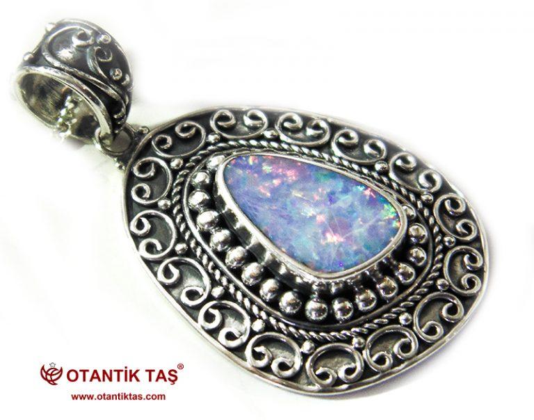 Opal Taşı Kolye