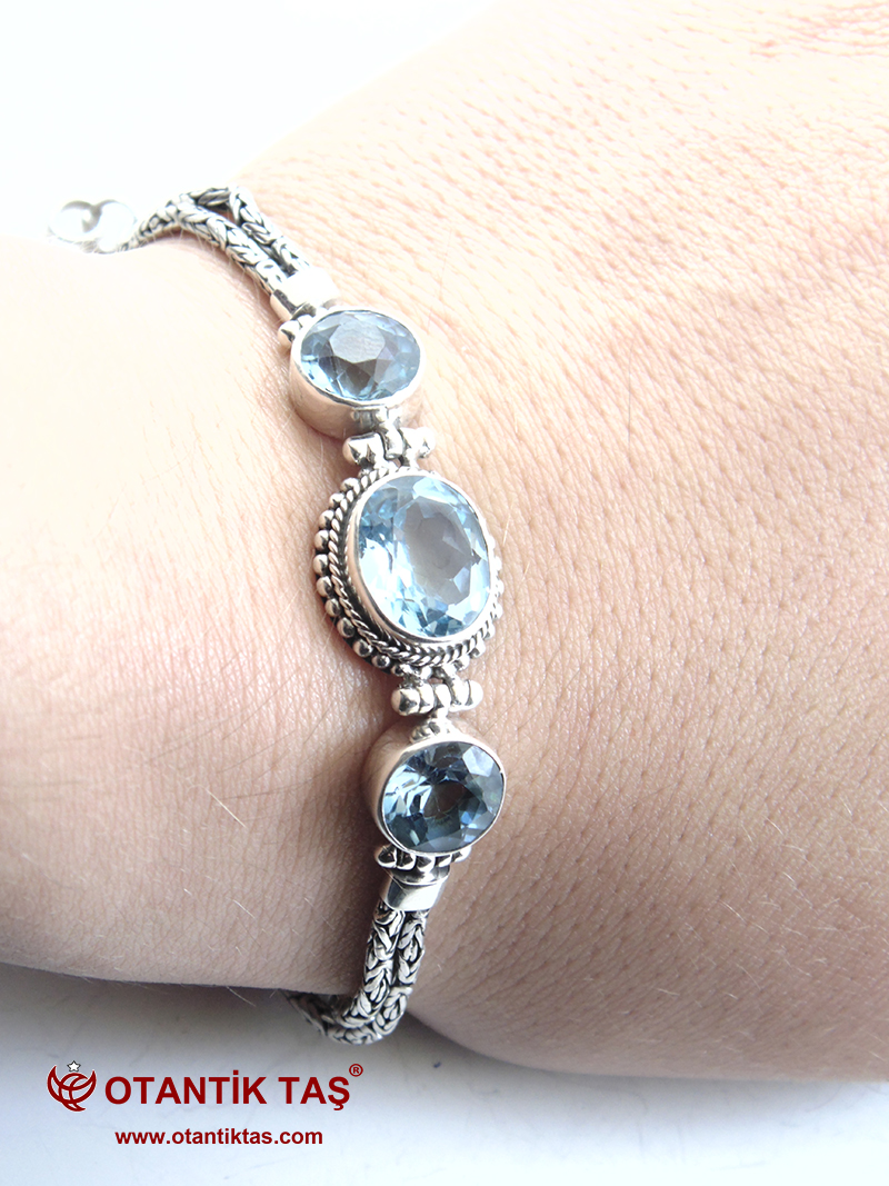 Mavi Topaz Taşı Gümüş Bileklik