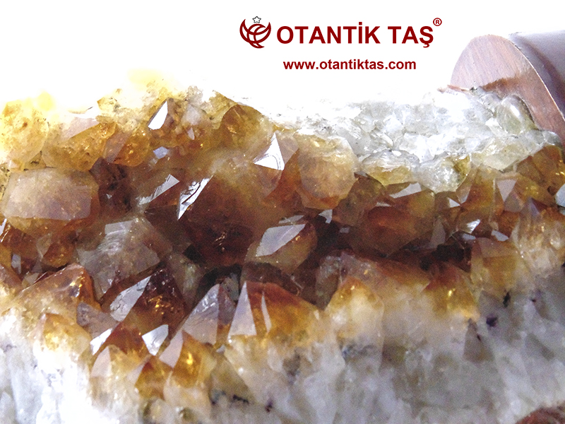 Sitrin Taşı Kristali