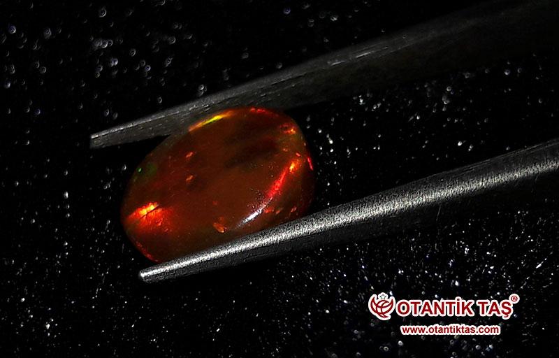 Etopya Siyah Opal Taşı