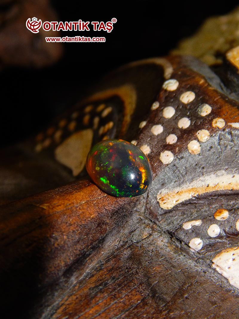 Siyah Ateş Opal