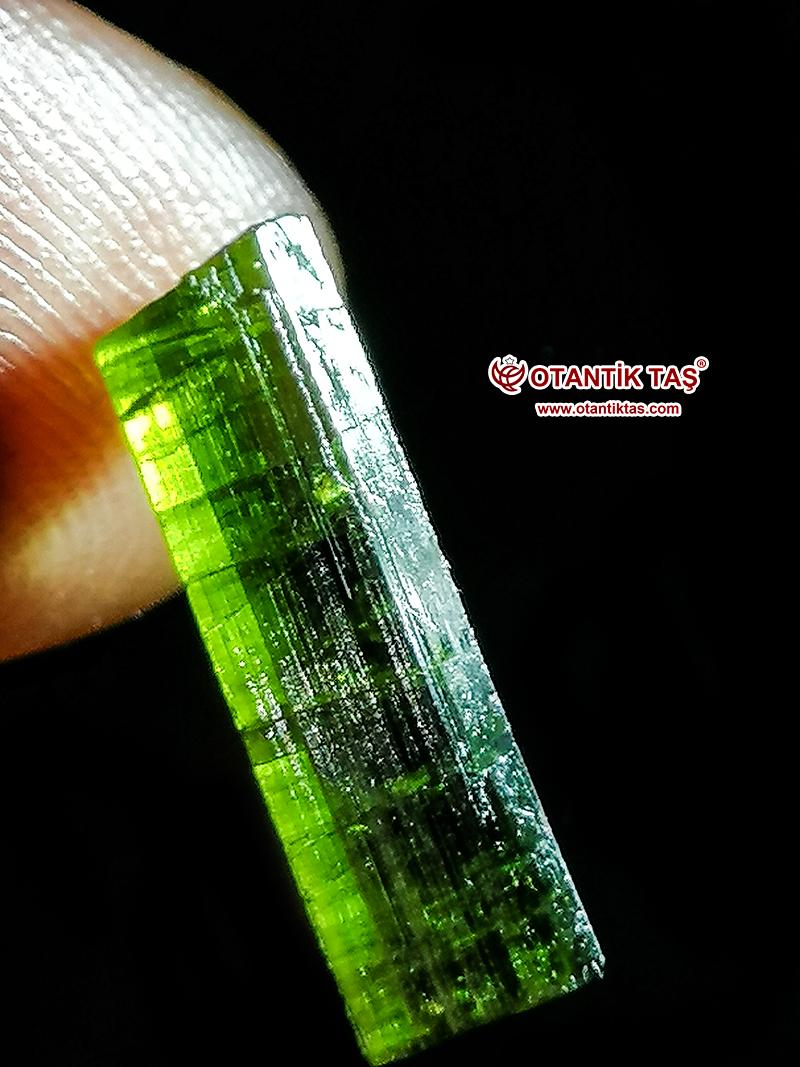 Yeşil Turmalin Özellikleri